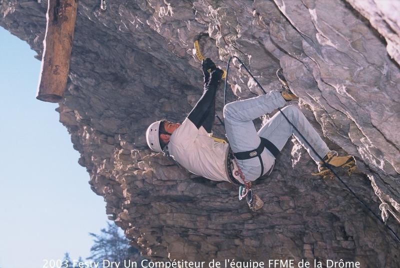2003-festy-dry-un-competiteur-de-l-equipe-ffme-de-la-drome