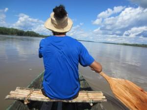En Amazonie,C'est parti pour 10 jours de canoë! Et on pagaie!